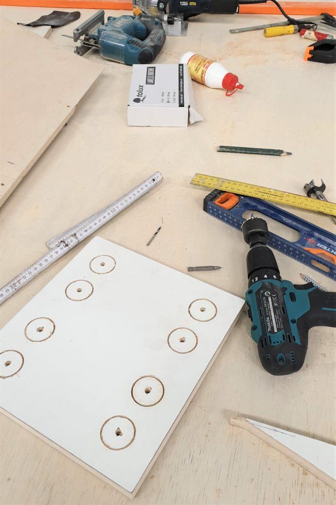narzędzia budowa kampera